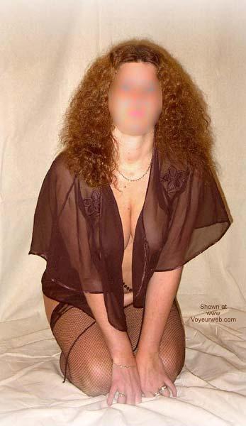 Pic #1 SN 34 yo Wife Posing