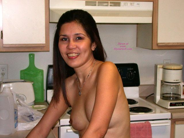 Pic #1 Filipina Gladys