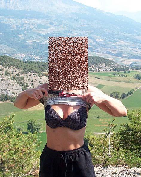 Pic #1 Cindy A La Montagne