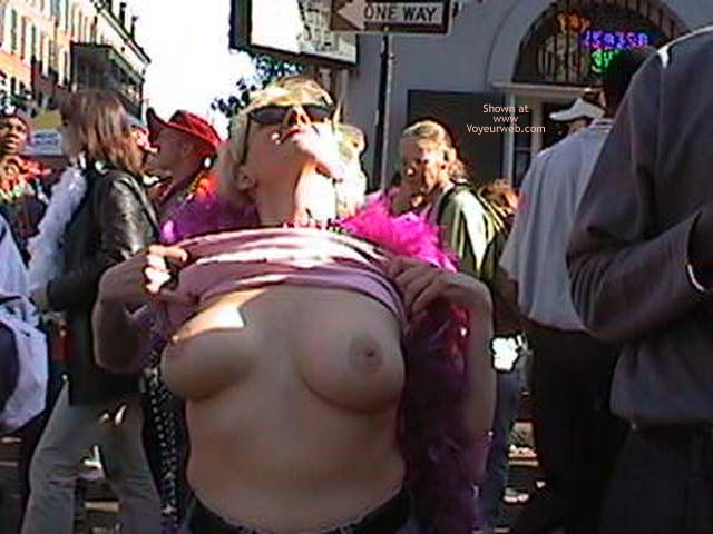 Pic #1 Mardi Gras 2002 Show Your Boobs
