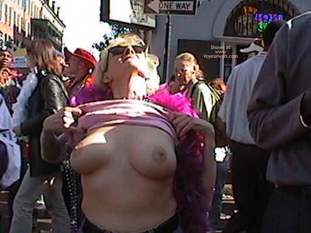 Pic #1 Mardi Gras 2002 Show Your Boobs
