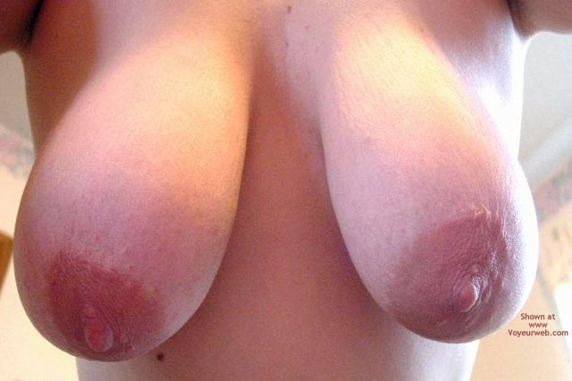 Pic #1 Leah'S Big Breasts And Large Nipples