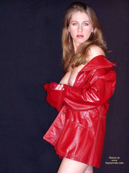 Pic #1 Juliette Red Coat Pink Toy