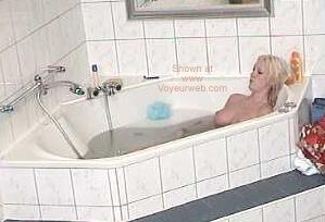 Pic #1 Girl in The Bath Tub