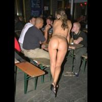 Nude Girl In A Restaurant , Nude Girl In A Restaurant, Exhibitionist Girl, Apple Bottoms