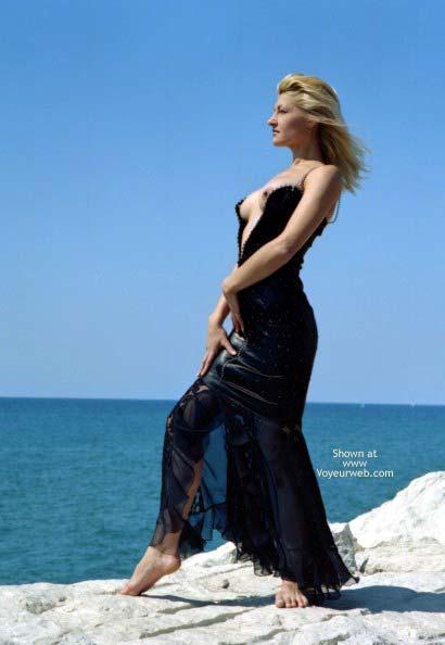 Pic #1 A Blond Siren