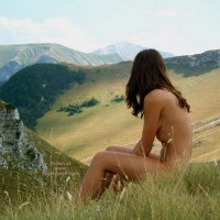 Nude Girl In Nature - Nude In Nature, Side View , Nude Girl In Nature, Soft Skin In Nature, Girl Sitting, Side View