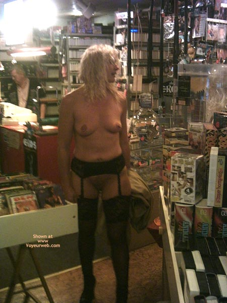 Pic #1 *Ny Jaol In An Adult Store 1