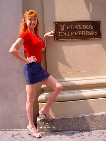 Pic #1 Sandy Redhead Flashing In New York