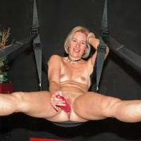 Sexy Suz Loves To Swing