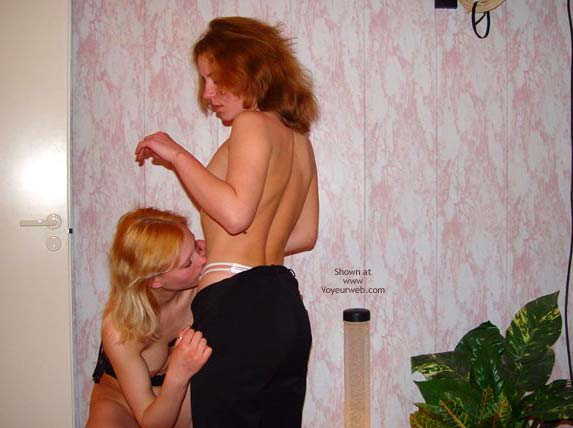 Pic #1 PA *GG Girls in Shower