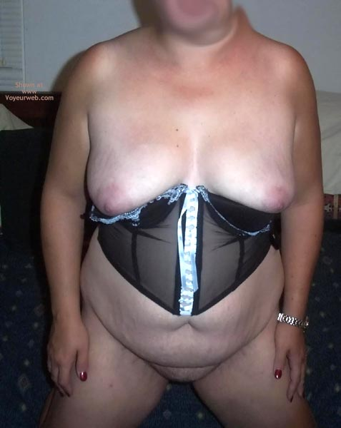Pic #1 Tc 2 Contri Shy Girl Sexy In Bustier