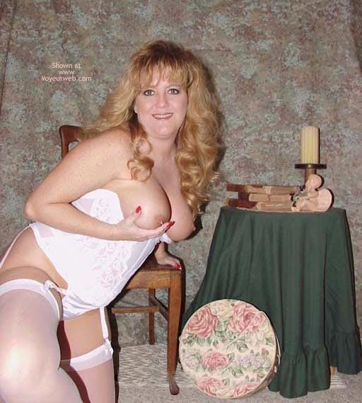 Pic #1 Sara in White Stockings & Heels!