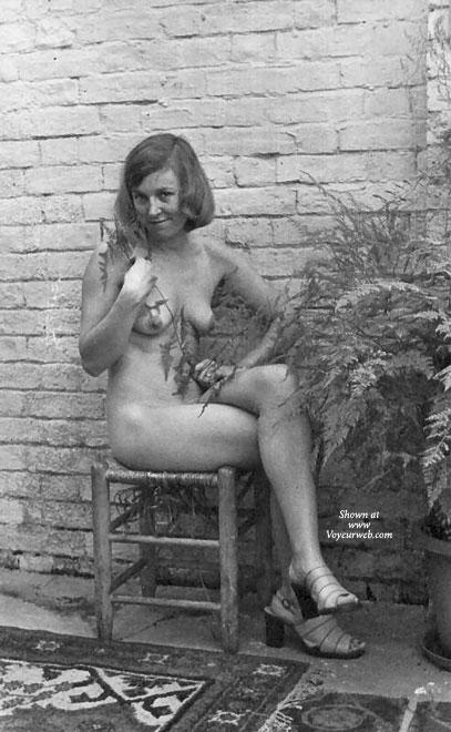 Big boobed nude women pics