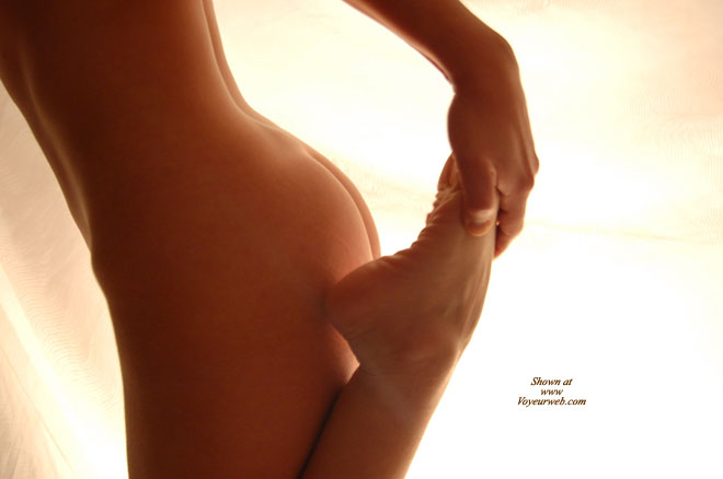 Stretching Woman , Youth's Beauty, Foot, Raising Foot To Ass, Body Sculpture, Yoga Stretching, Stretching Naked, Foot Fetish, Curvy Butt, Pretty Buttocks, Flexible