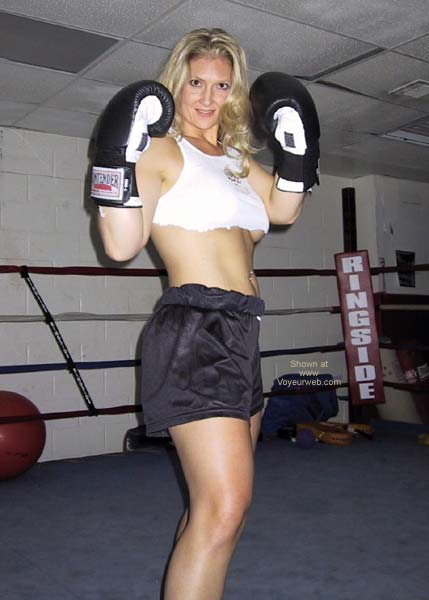 Pic #1 MissMuscle in The Ring