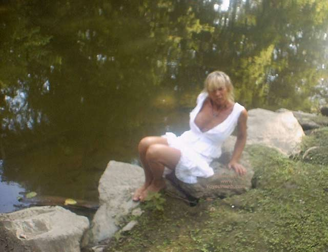 Pic #1 Wife Up The Creek