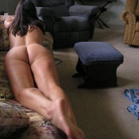 Missouri Farmwife-Still Naked On The Couch