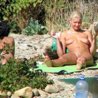 Real Voyeur - Girls At The Nude Beach