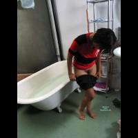 Vivian's Bottom In The Bath