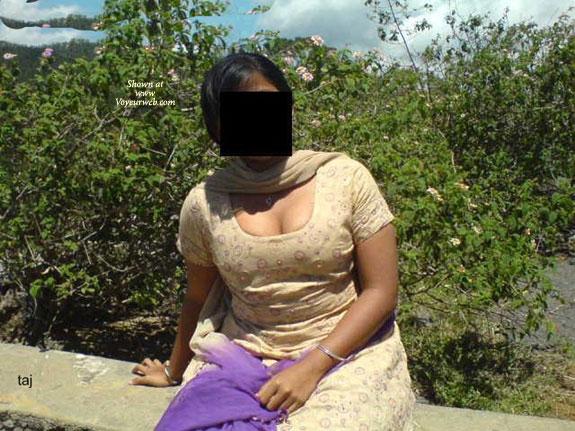 Desi Aunty Nude In Park - April, 2008 - Voyeur Web-9863