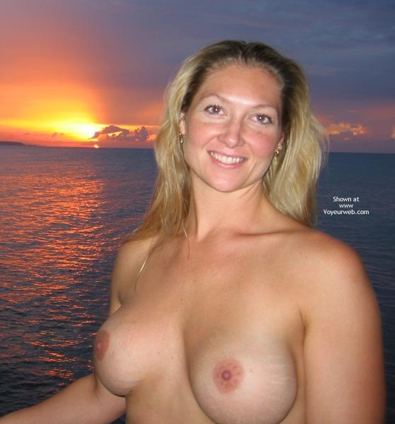 Pic #1 Hedo3 Sunset MissM with a Friend