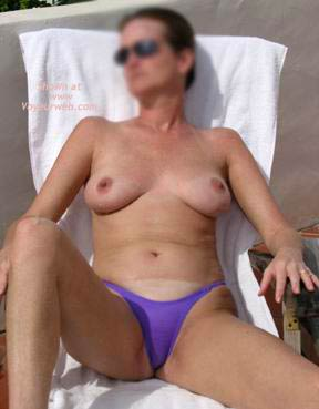 Pic #1 45 yo Hottie On Holiday