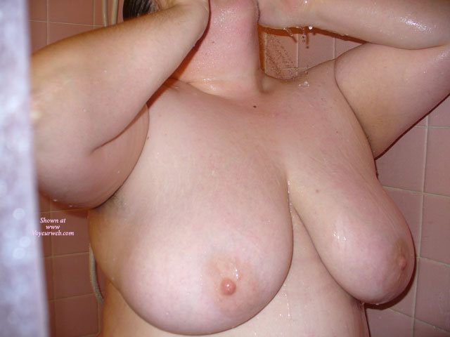 Bbw Shower , Dr,Tits,Nipples,Shower,Voyeur