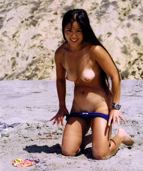 beach nudes Asian