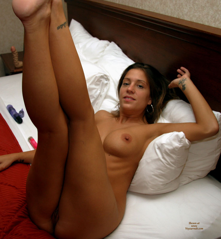 legs up Amateur images with girl