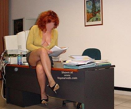 Pic #1 Caty in Ufficio