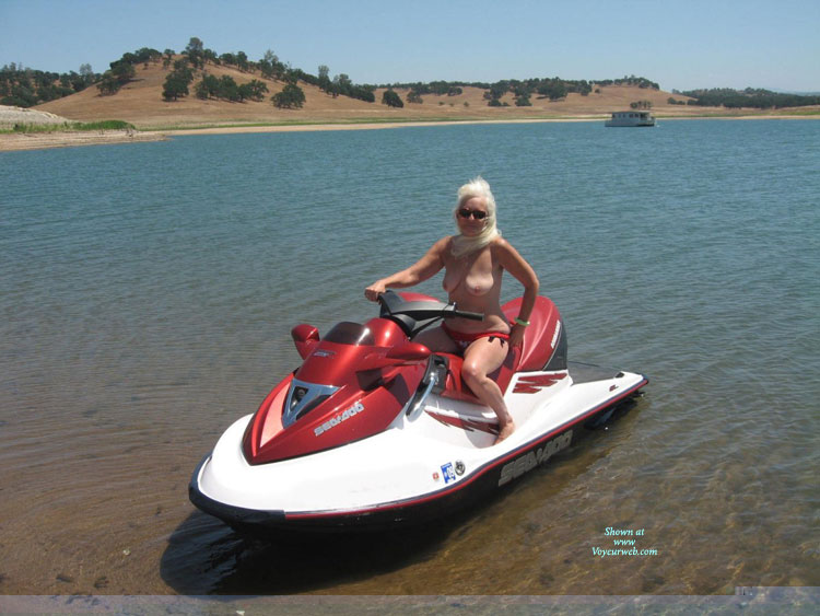Pic #1 A Day Jet Skiing
