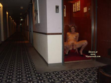 Are Elevator nude amateur pics with