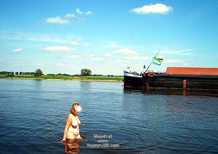 Pic #1 Mausis Heisser Tag an der Elbe