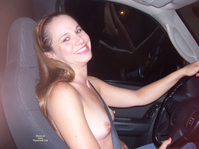 amateur topless in car