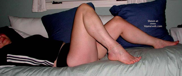 Pic #1 Wife Showing Lots Of Leg