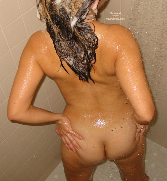 Pic #1 BO 38 yo Milf in Shower