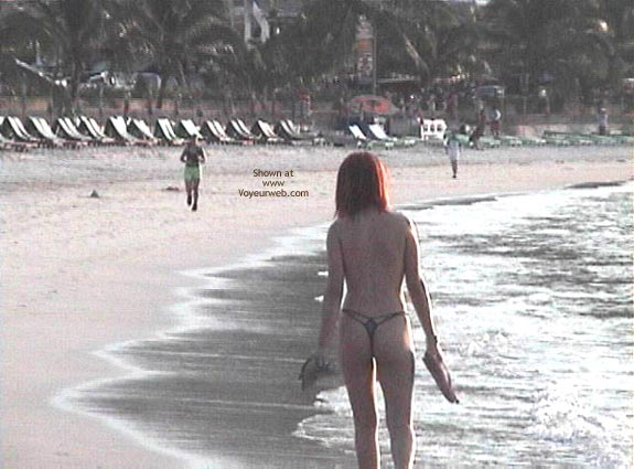 Pic #1 H.K. Girl in The Beach 1