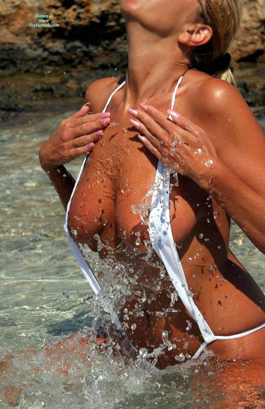 Sexy Monokini , Tan All Over, Playing In Water, White String Swimsuit, Splashing Water, Girl Splashing, Beach Refreshing, White Sling Bikini, Great Ribbon Bikini, Wicked Weasle In Action
