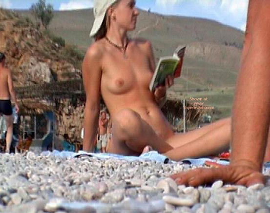 Pic #1 Bookreader Nudist Girl