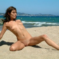 French Babe, Very Nude Beach Day