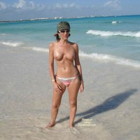 Eleinade At The Beach , Eleinade At The Beach