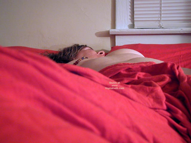 Pic #1 Oh Wife Rolling In The Red Sheets 1