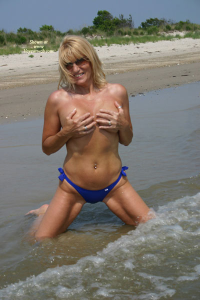 Tit Holding - Bottom, Titties , Tit Holding, Topless At Beach, Bellybutton Ring, Blue Bottom, Covered Breasts