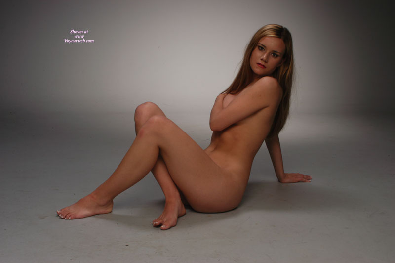 nude floor posing Amateurs on
