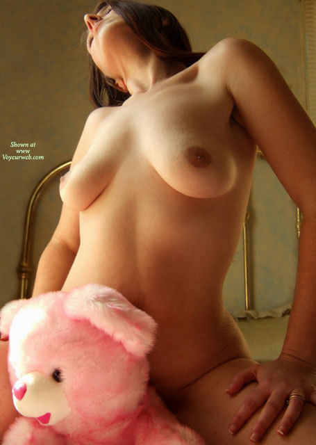 Nude girl and a bear were visited