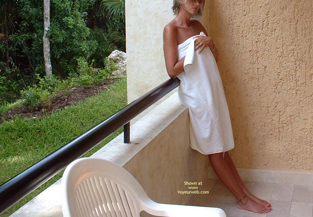 Pic #1 Jgirl: On A Mexican Patio 2