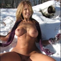 *SN Naughtybuny In The Snow