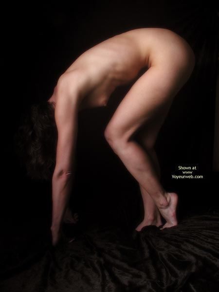 Pose - Artistic Nude, Bend Over, Nude Amateur , Pose, Nude, Thin, Bent Over, Artistic
