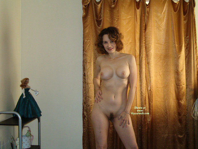 Album Wife naked poses have hit the